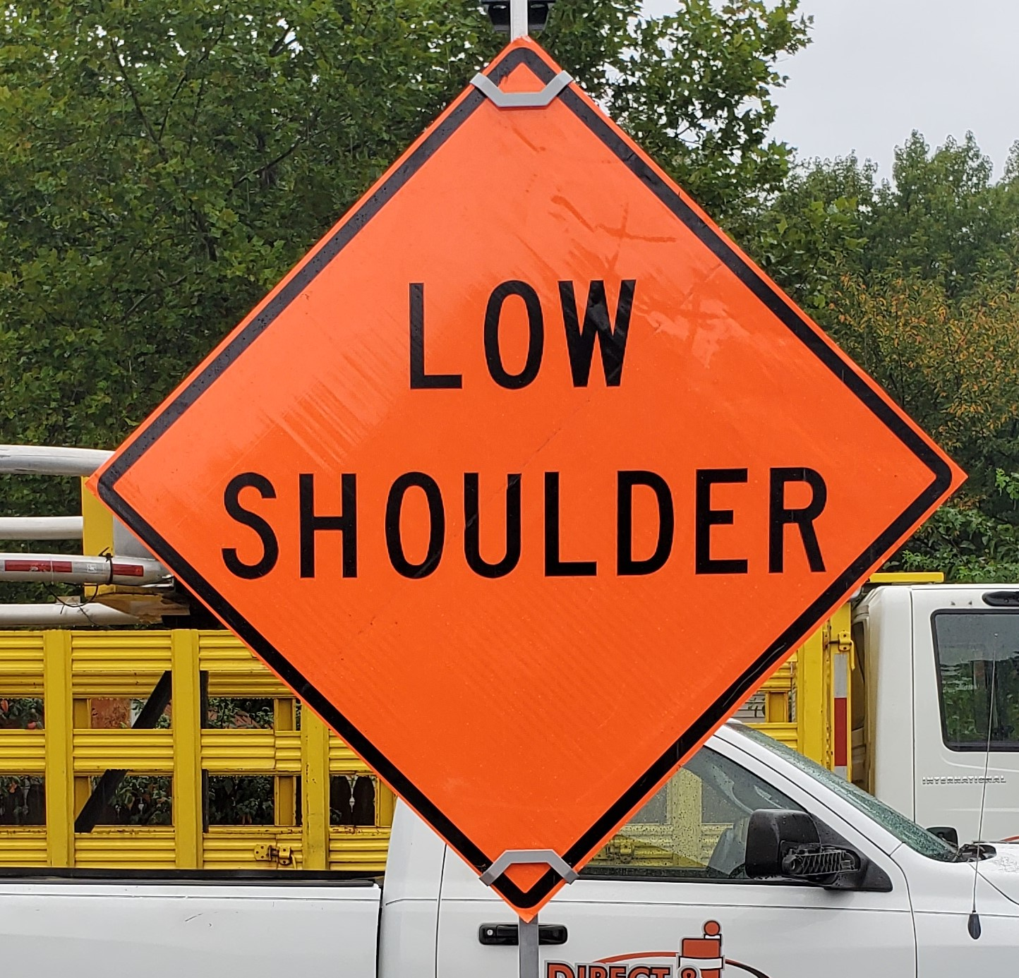 Low Shoulder